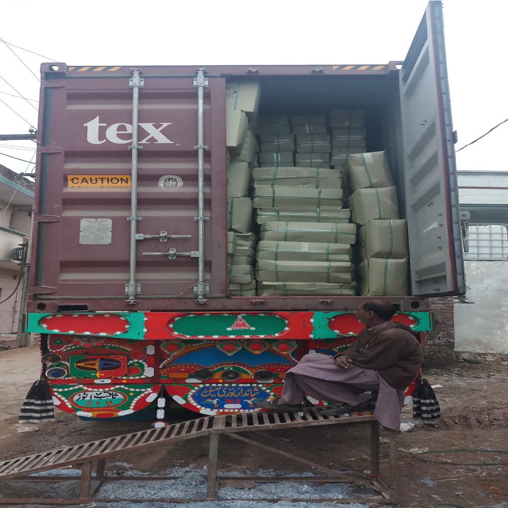 Cartons Loading for Export